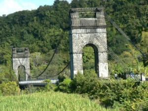 pont de la riviere de l'est reunion