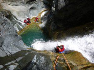 A  pr0p0s  Canyon-Bras-Rouge-Cilaos-rappels-300x225